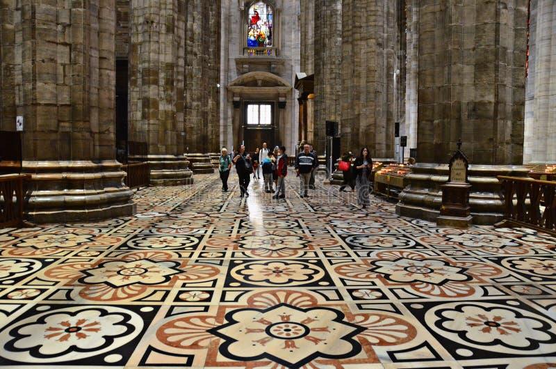 De vloer van Duomo-Di Milaan, Italië stock afbeeldingen