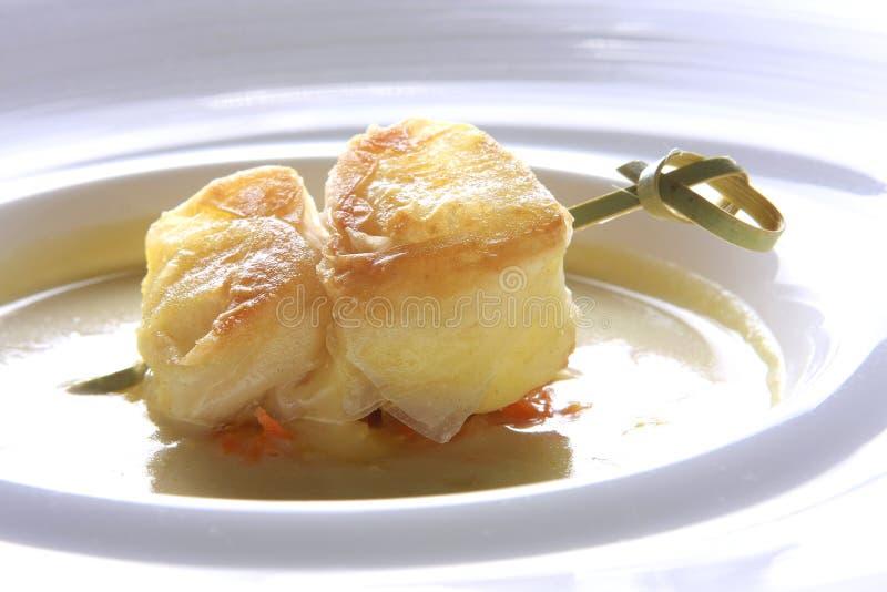 De vlok van de kaas met groentesoep stock foto's
