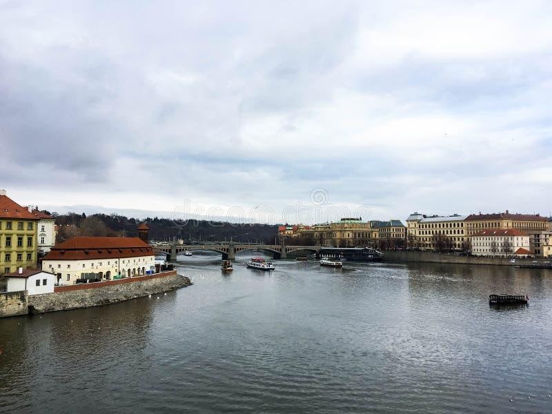 De Vltava-rivier in Praag royalty-vrije stock foto's