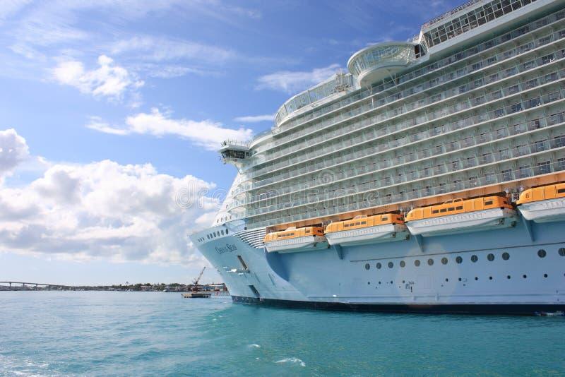 De VoeringsOase Van De Cruise Van Het Overzees Redactionele Stock Foto