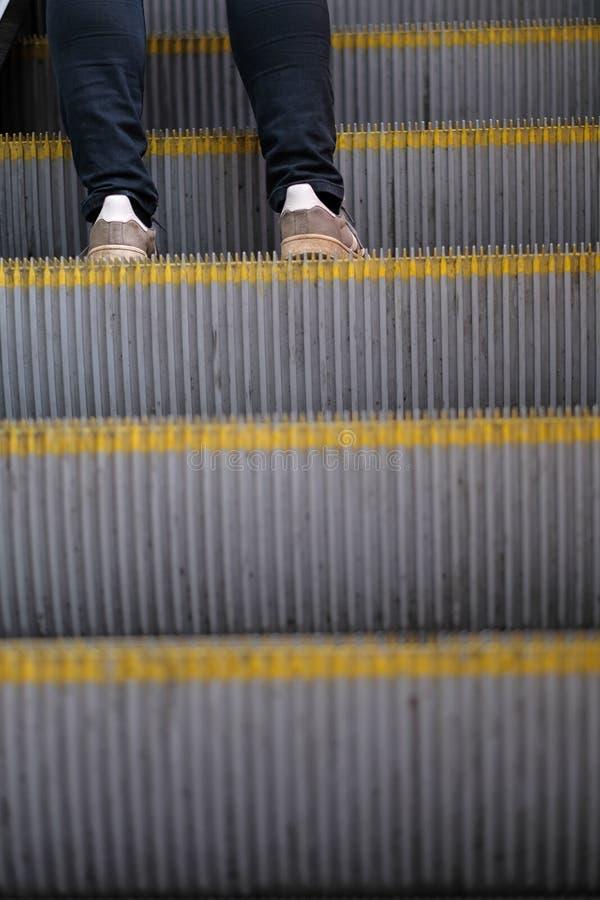 De voeten van de persoon stock foto