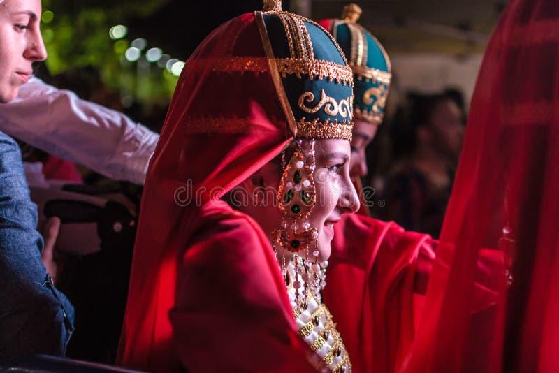 De volksdans van Dansersportrait on folk en Muziekfestival royalty-vrije stock afbeelding
