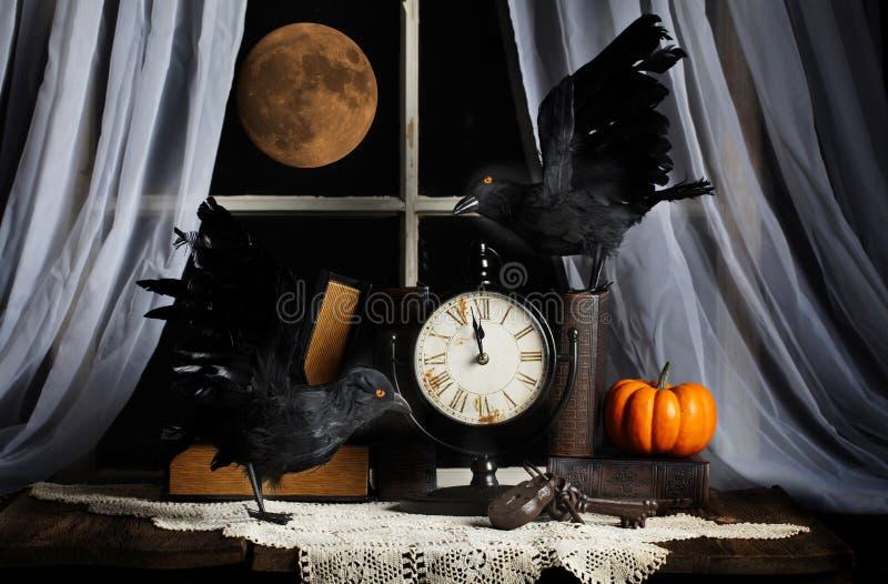 De Volle maan van de ravenmiddernacht stock afbeelding