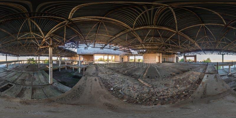 De volledige sferische naadloze 360 betonconstructies van het de meningspanorama van de gradenhoek verlieten de onvolledige bouw  royalty-vrije stock afbeelding
