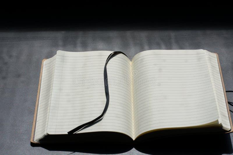De volta a Noteblock da escola o caderno nota linhas do verão imagem de stock royalty free