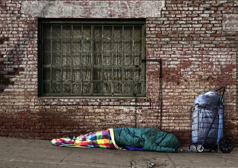 De voorbijgaande Dakloze Slaap van de Ziel op de Straten stock afbeelding