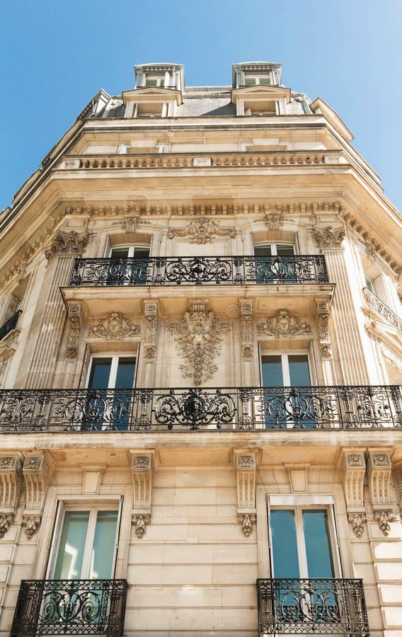De voorgevel van de Parijse bouw, Frankrijk royalty-vrije stock foto's