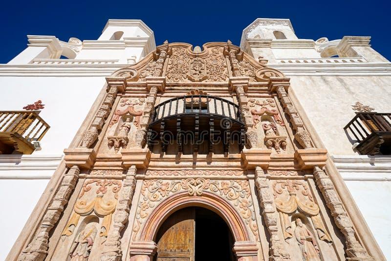 De voorgevel van de opdracht van San Xavier del Bac in Tucson Arizona royalty-vrije stock afbeelding