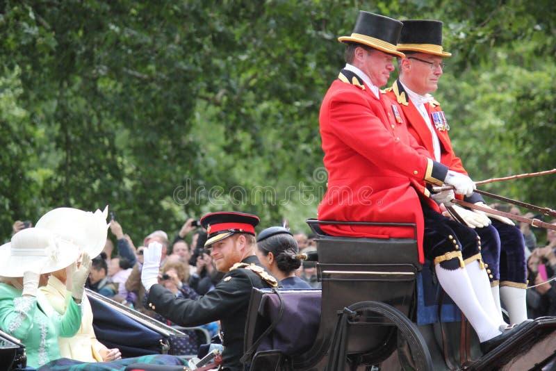 De voorraad van Harry van Meghan Markle & van de Prins, Londen het UK, 8 Juni 2019 - Meghan Markle Prince Harry Trooping de kleur stock afbeeldingen