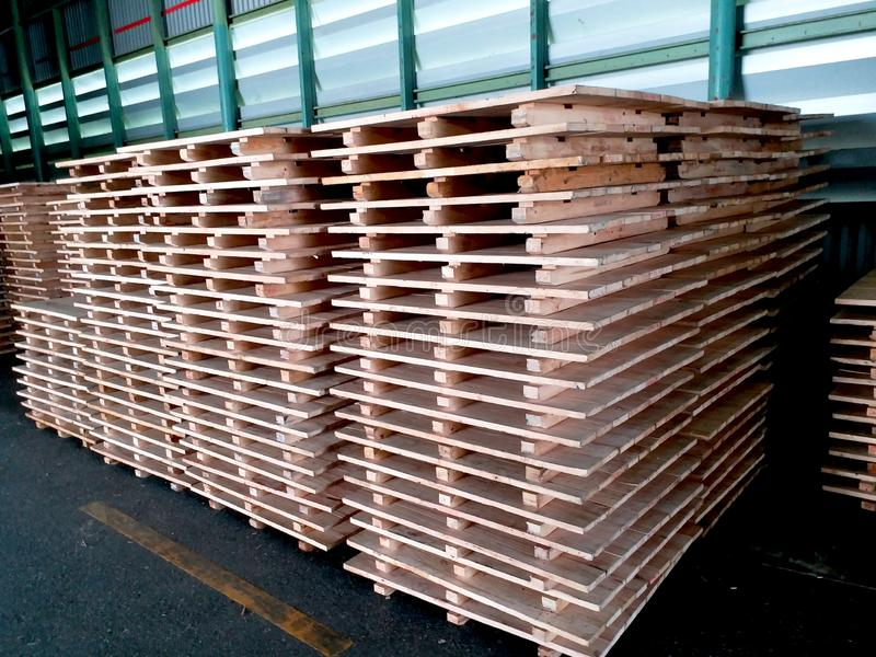 De voorraad van houten pallet royalty-vrije stock foto's