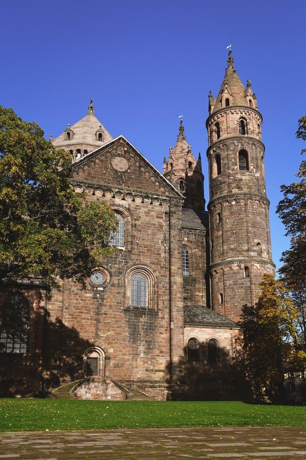 De voorstelling van de oude katholieke katholieke St. Peter's kathedraal in Worms in Duitsland royalty-vrije stock foto