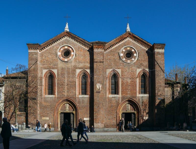 De voorvoorgevel van de 14de eeuw Santa Maria Incoronata Church op Corso Garibaldi royalty-vrije stock afbeelding