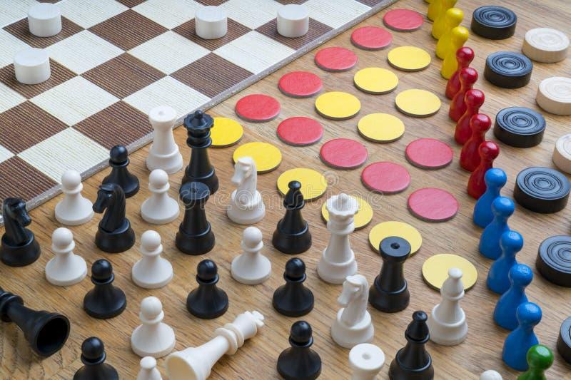 De voorwerpen van het raadsspel stock foto's