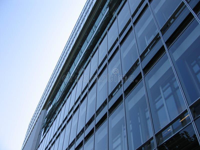 De Voorzijde Van De Bouw Van Het Glas Stock Fotografie