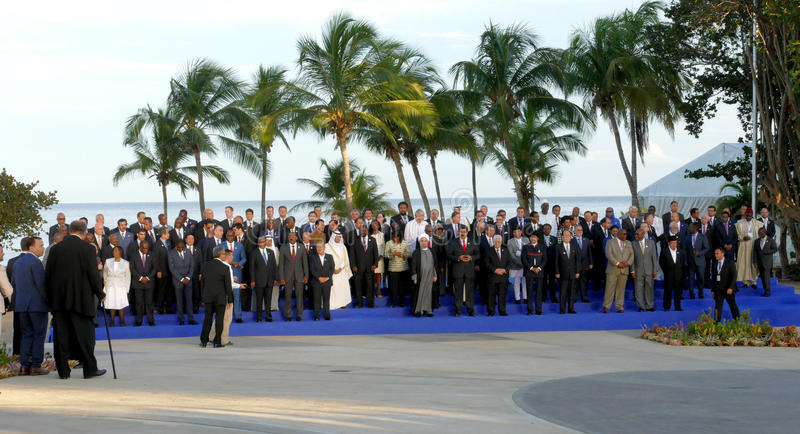 De voorzitters van Delegaties stellen voor de officiële foto in de 17de Top van de Niet gebonden Beweging stock fotografie