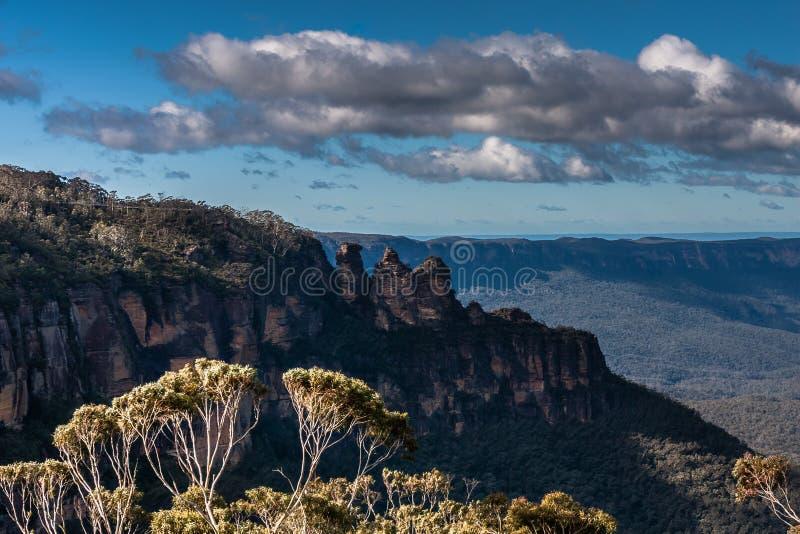 De vorming van de Drie Zustersrots in Blauw Bergen Nationaal Park, NSW, Australië stock foto's