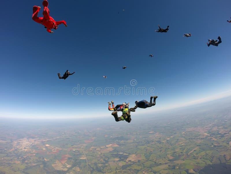 De vorming van de Skydivingsgroep royalty-vrije stock foto