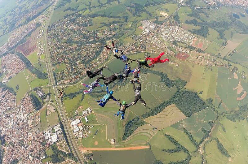 De vorming van de Skydivingsgroep stock foto