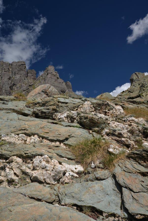 De vormingen van de kwartsrots in de Franse Alpen stock foto