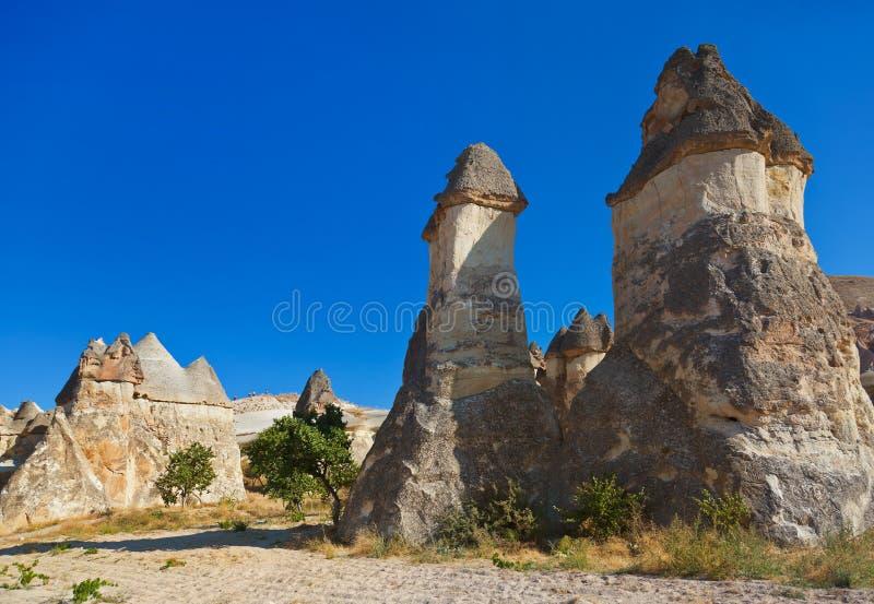 De vormingen van de rots in Cappadocia Turkije royalty-vrije stock fotografie