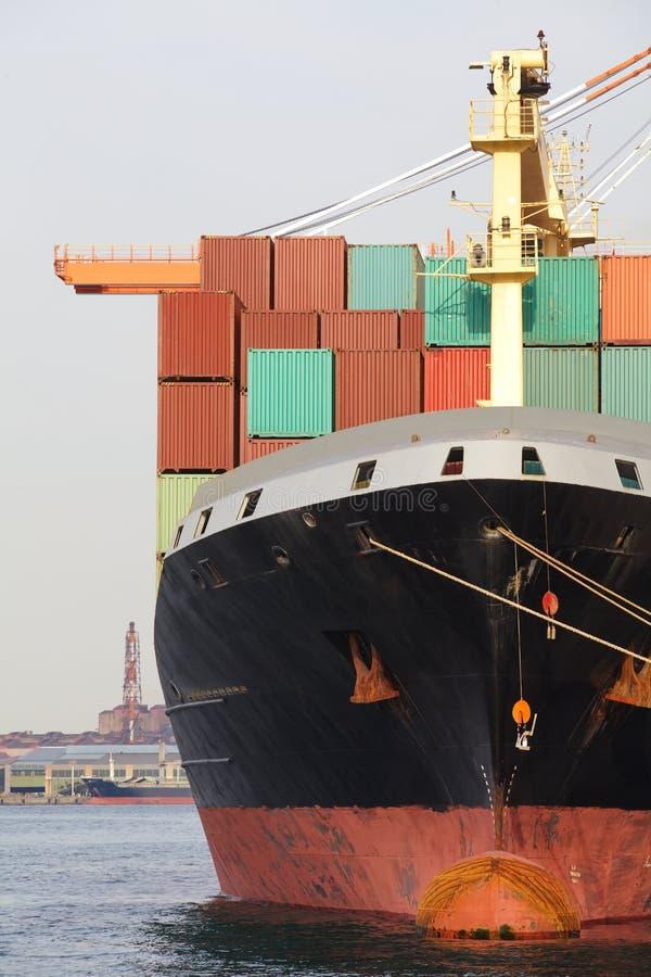 De vrachtschip van de containerlading stock foto