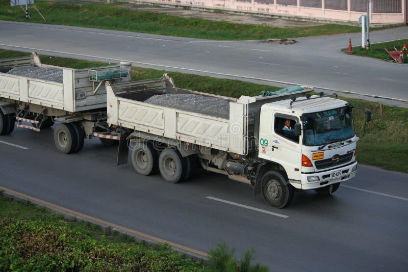 De vrachtwagen van de aanhangwagen, rotscontainer. royalty-vrije stock foto's