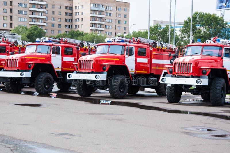 De vrachtwagen van de brand op stormloop stock fotografie