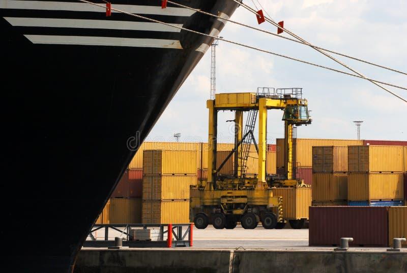 De vrachtwagen van de container royalty-vrije stock afbeelding