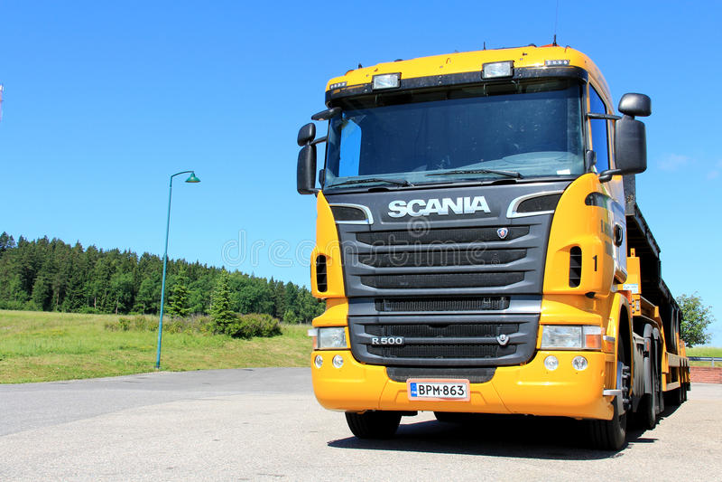 De Vrachtwagen van de het Voertuigdrager van Scania R500 royalty-vrije stock afbeelding