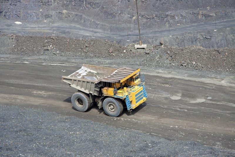 De vrachtwagen van de mijnbouw royalty-vrije stock foto's