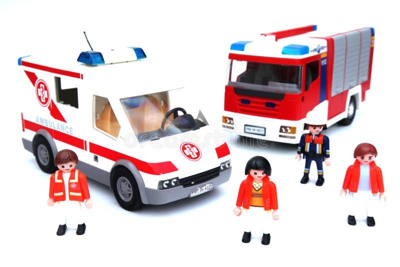 De vrachtwagen van de ziekenwagenbrand stock foto's