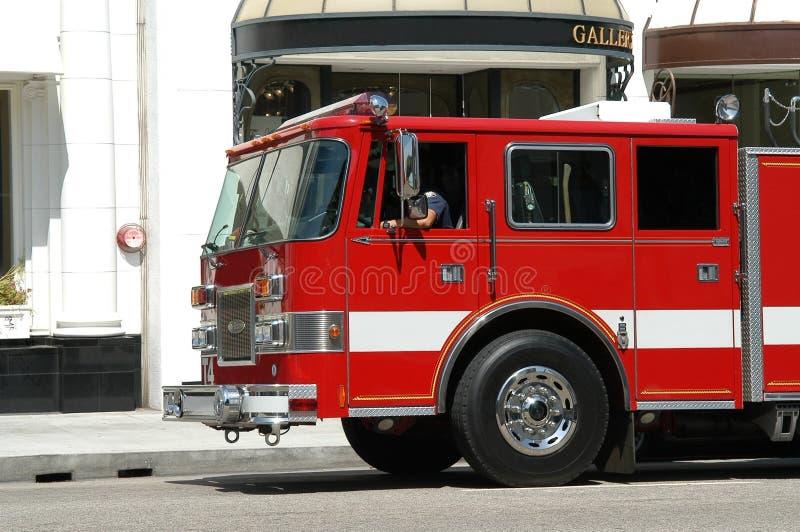 De vrachtwagen van het brandweerkorps