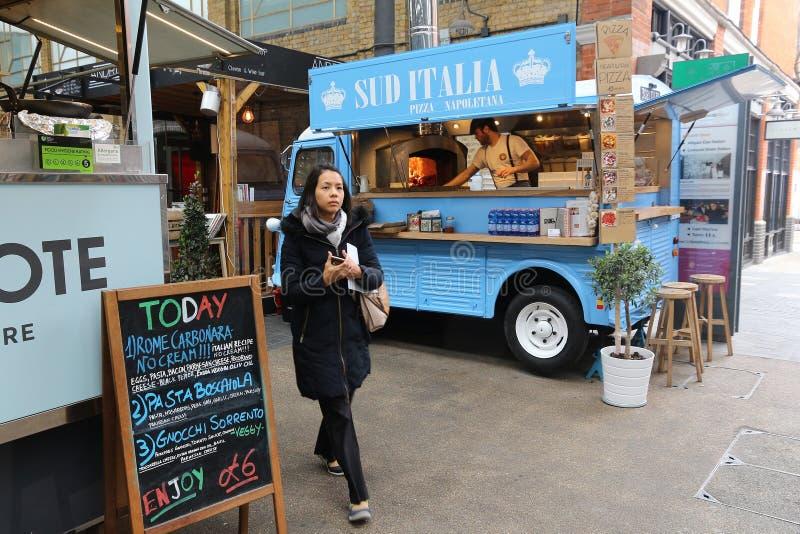 De vrachtwagen van het pizzavoedsel royalty-vrije stock foto's