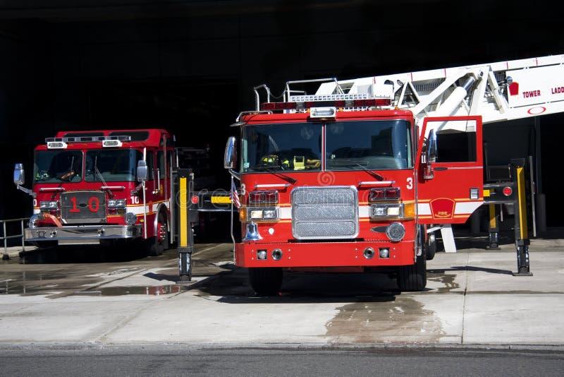 De vrachtwagens van de brand stock foto