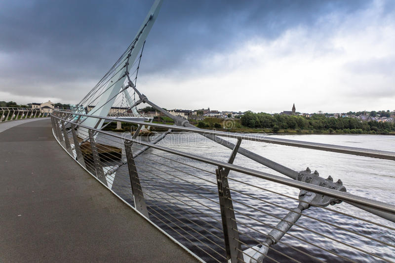 de Vredesbrug, Londonderry, Noord-Ierland stock fotografie