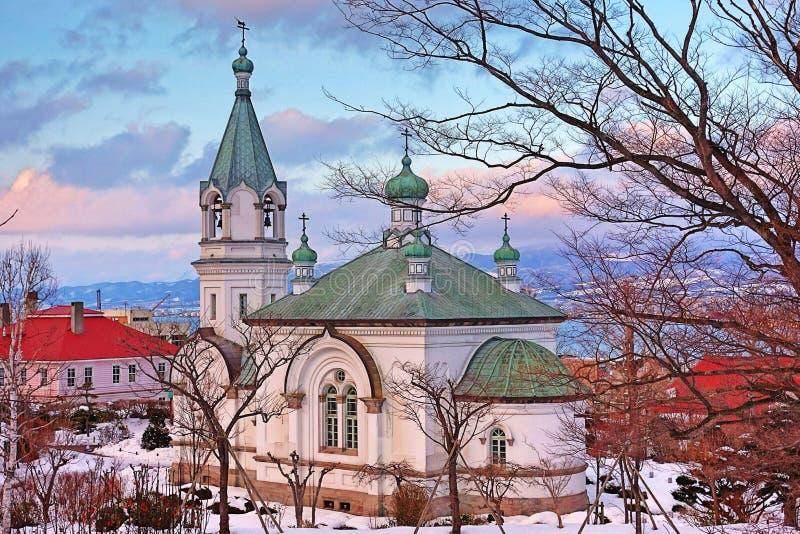 De vreedzame kerk in wintertijd bij stock foto's