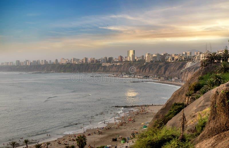 De Vreedzame kust van Miraflores in Lima, Peru stock foto's