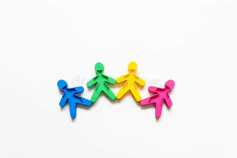 De vriendschap van volkeren is een symbool van verfhandelaars op een witte achtergrond royalty-vrije stock afbeeldingen