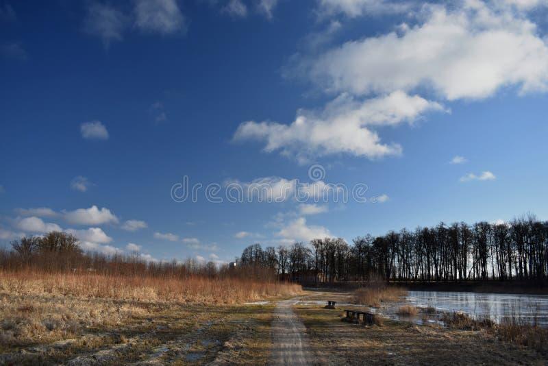 De vroege lente in Litouwen Pakruojismanor royalty-vrije stock afbeeldingen
