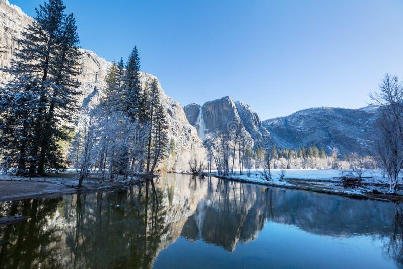 De vroege lente in Yosemite stock foto's