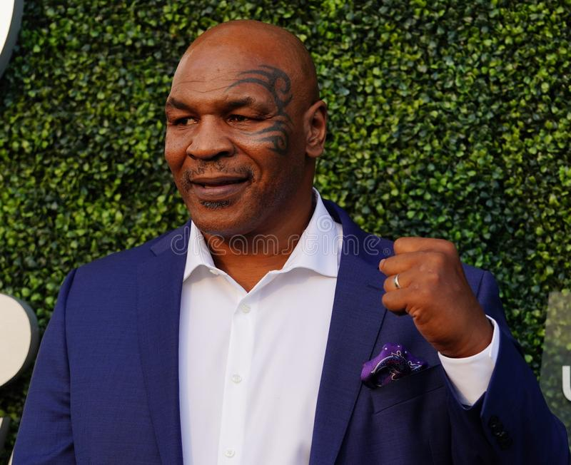 De vroegere in dozen doende kampioen Mike Tyson woont het US Open van 2018 bij openend ceremonie stock afbeeldingen