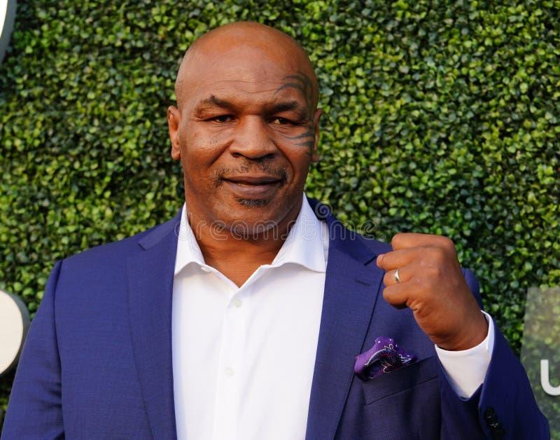 De vroegere in dozen doende kampioen Mike Tyson woont het US Open van 2018 bij openend ceremonie stock afbeelding