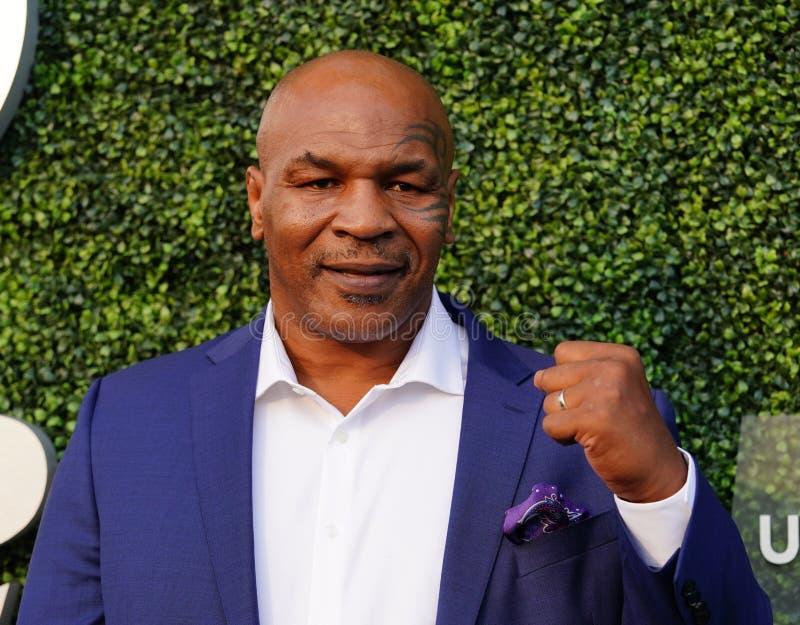 De vroegere in dozen doende kampioen Mike Tyson woont het US Open van 2018 bij openend ceremonie bij USTA Billie Jean King Nation stock foto