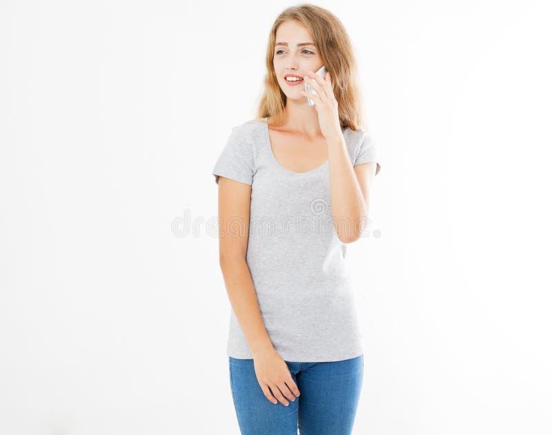 De vrouw communiceert met haar vriend op de telefoon royalty-vrije stock fotografie
