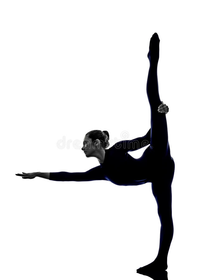 De vrouw die Natarajasana-danser uitoefenen stelt yogasilhouet royalty-vrije stock foto