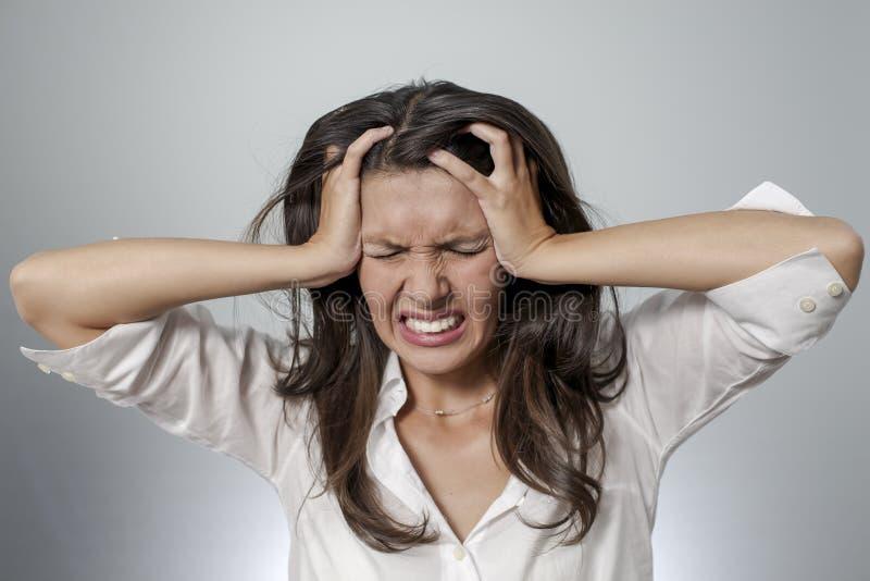 De vrouw is gefrustreerd stock afbeeldingen