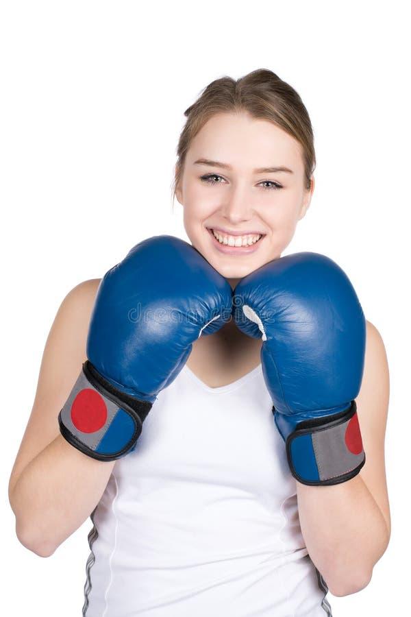 Download De Vrouw Houdt Bokshandschoenen Onder Haar Kin Stock Foto - Afbeelding bestaande uit smiling, vrij: 39110090