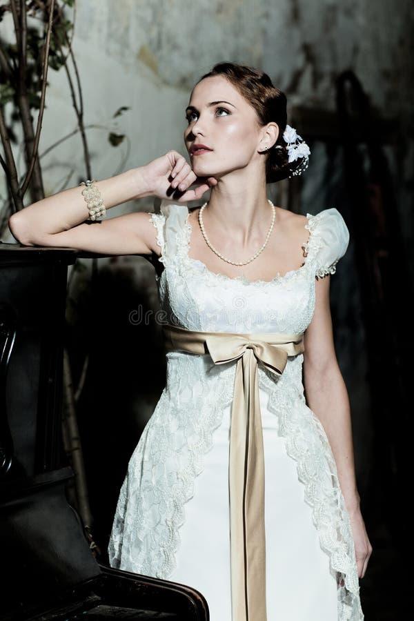 De vrouw kleedde zich als bruid royalty-vrije stock foto's
