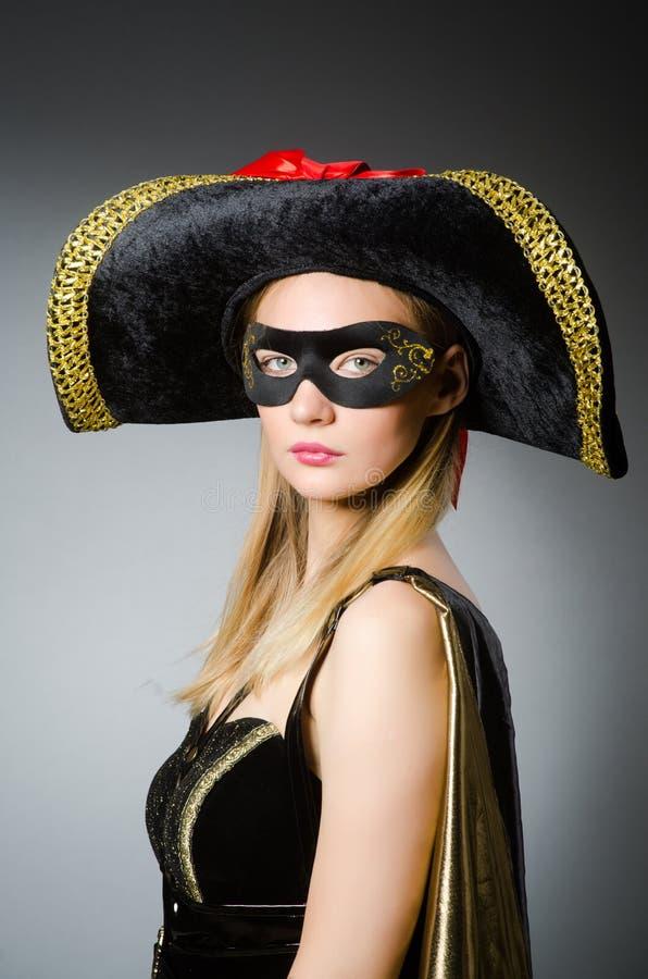De vrouw in piraatkostuum - Halloween-concept royalty-vrije stock foto's