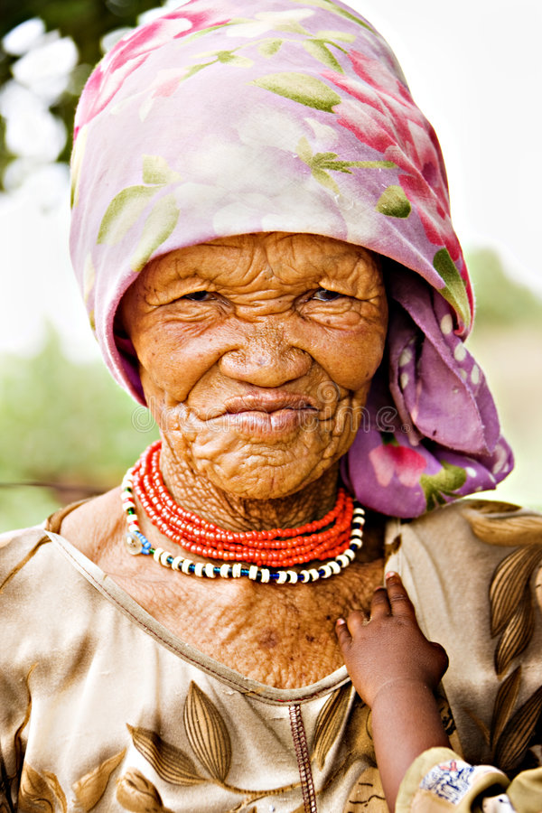 De vrouw van Basarwa royalty-vrije stock afbeeldingen